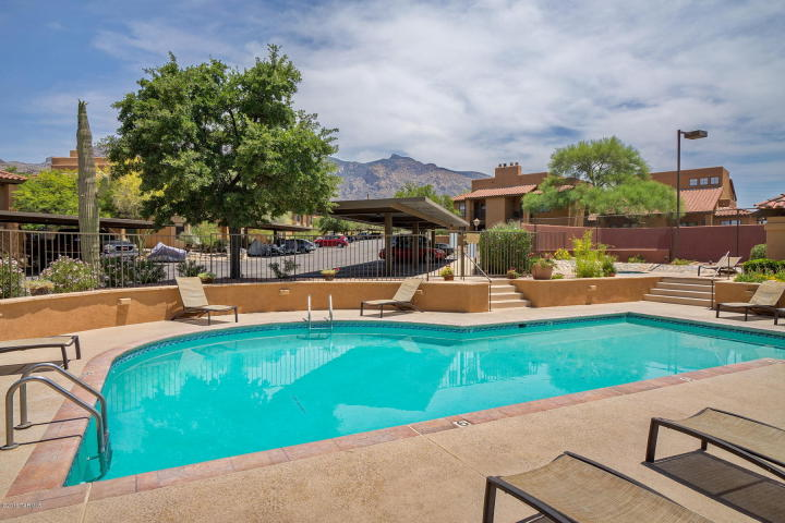 Catalina Foothills Condo For Sale